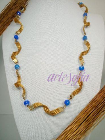 Collar Capim Agata azul. Artesofia