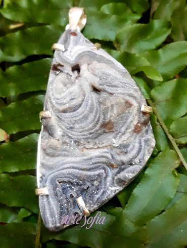 COLG. CALCEDONIA GRIS TRIANG-ARTESOFIA