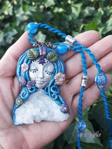 Medallón Diosa Alma con Cuarzo
